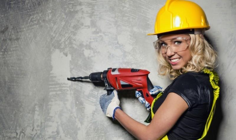 professional handyman with a drill machine